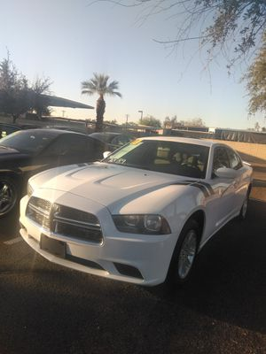 2013 dodge charger 🚄 starting at $799 down payment 🚄 everyone is welcome 🚄 aqui su amigo jesus les ayuda for Sale in Glendale, AZ