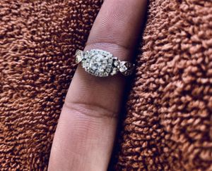 Neil Lane Engagement Ring 1-5/8 cttw Diamonds 14K Two-Tone Gold for Sale in San Diego, CA