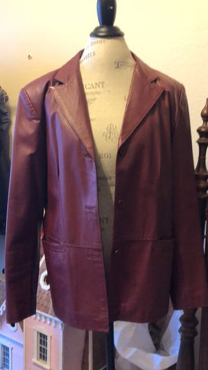 Maroon leather jacket for Sale in Fort Worth, TX