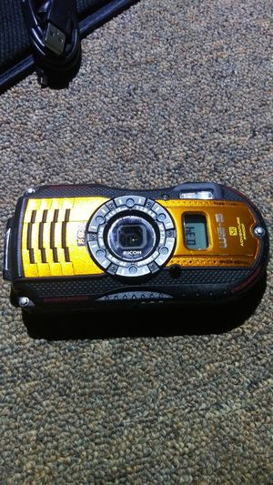 Ricoh waterproof, adventure proof wg-5 with gps! for Sale in Nashville, TN