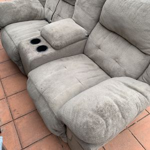 Electric Double Recliner With Storage Ave Cup holders for Sale in Santee, CA