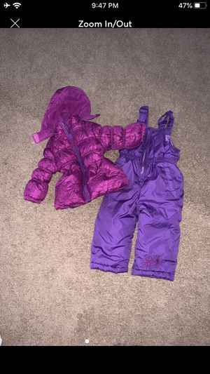 18 months girl snow suit and snow boots size 7 for Sale in Houston, TX