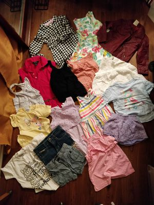 Girls bundle clothes size 3t to 4t for Sale in Grand Terrace, CA