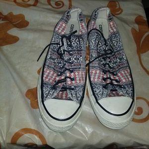 Size 10 converse Chuck Taylor all star for Sale in Venus, TX
