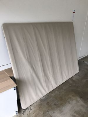 Mattress Base (For Memory Foam Mattress) - Queen Size for Sale in Castro Valley, CA