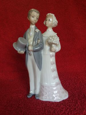 Lladro Porcelain Collectible Wedding Figurine for Sale in Seal Beach, CA
