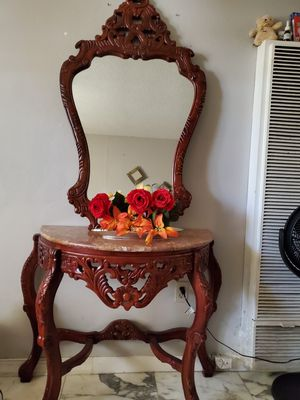 Console table with mirror for Sale in Miami, FL