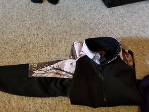 Ladies Xl hoodies for Sale in Pittsburgh, PA