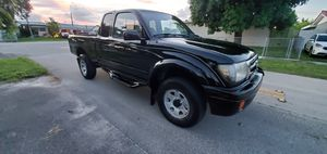 TOYOTA TACOMA 2000 BY OWNER for Sale in Miami, FL
