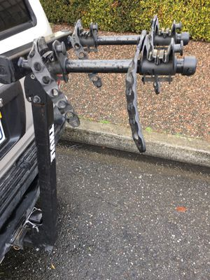 Thule Bike Hitch (holds 2 bicycles) for Sale in Eureka, CA