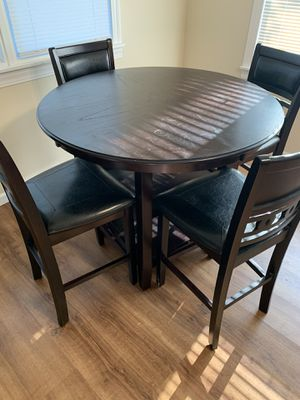 High top Dining Set for Sale in Quincy, IL