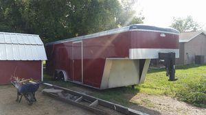 28ft enclosed goose neck trailer for Sale in Peoria, AZ