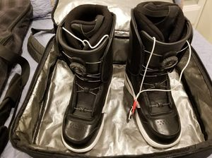 Vans Aura Snowboard Boots (US 11) with Dakine Bag for Sale in San Diego, CA