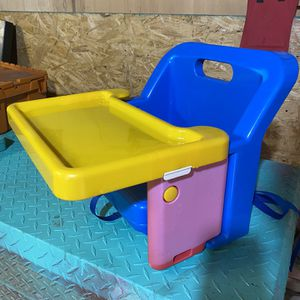 Safety 1st Grow With Me Portable Booster Seat for Sale in Cayce, SC