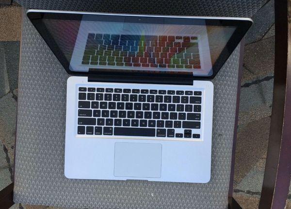 Apple MacBook Pro (13-inch Early 2011) 2.3 GHz Intel core i5 320GB HDD 8GB RAM