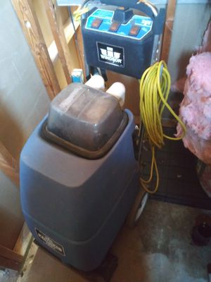 Carpet cleaning/extractor machine for Sale in Oro Valley, AZ