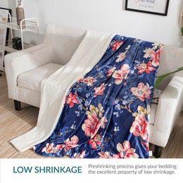 EBEIZZI Sherpa Super soft reversible blanket ultra luxurious plush blanket. for Sale in Montebello, CA