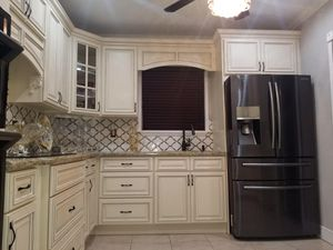 10x10 kitchen cabinets installed with granite tops for Sale in Pompano Beach, FL