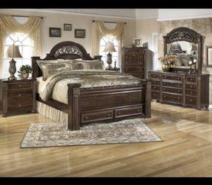 Beautiful 4 piece Queen Bedset for Sale in Apopka, FL