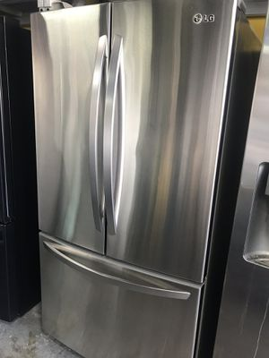 LG French door refrigerator with ice maker for Sale in La Habra, CA