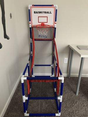 Basketball hoop for Sale in Saint Charles, MO