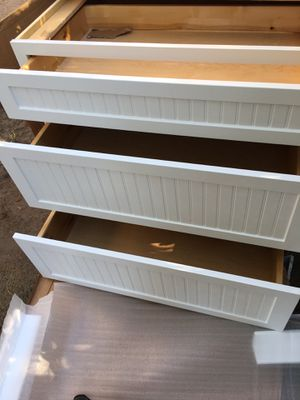 Cabinets w 3 drawers for Sale in San Bernardino, CA