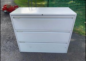 3 drawer filing cabinet for Sale in Linfield, PA