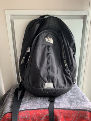 Northface Backpack - Black for Sale in Boston, MA