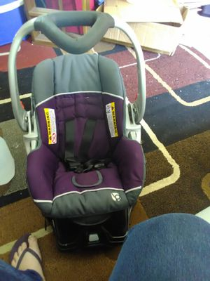 Like new! Babytrend pumpkin seat for Sale in Bloomington, IN