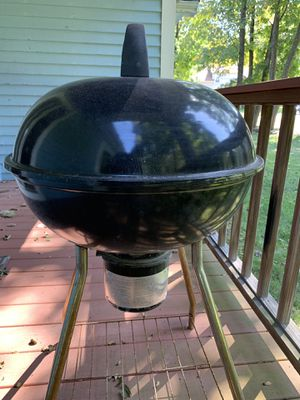Charcoal grill BBQ, great condition to use for Sale in Foxborough, MA