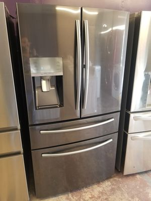 Samsung black stainless steel French door refrigerator with showcase for Sale in Bellaire, TX