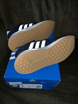 New adidas 6.5y or 8 in womens for Sale in Houston, TX