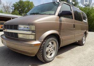 1999 GMC Safari mini Van for Sale in Oregon City, OR