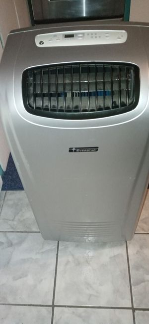 Everstar portable A.C and Dehumidifier. Btu/h 10,000 for Sale in New Port Richey, FL