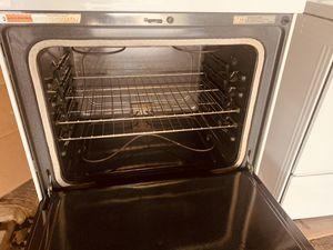 Estufa electrónica en perfecto estado y limpia por dentro y por fuera for Sale in Washington, DC