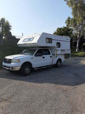 2001 Lance Ultralight Deluxe Camper for Sale in Oak Glen, CA