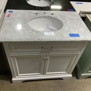 """Beautiful Vanity 37"""" X 22"""" For Sale for Sale in Grove City, OH"""