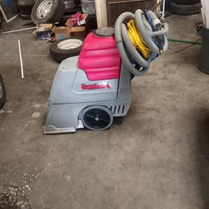 Sanitaire carpet extractor for Sale in Fresno, CA