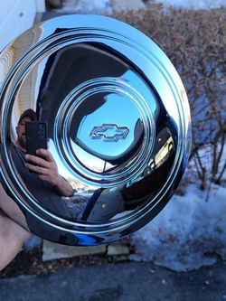 Hubcaps Chevy Dog Dish for Sale in Carpentersville,  IL