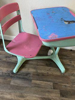 Little Girls School Desk for Sale in Fresno,  CA