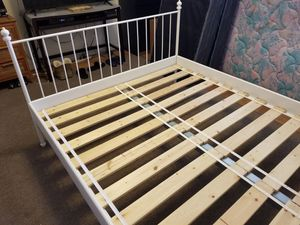 Queen size white metal bed frame for Sale in Berwyn Heights, MD