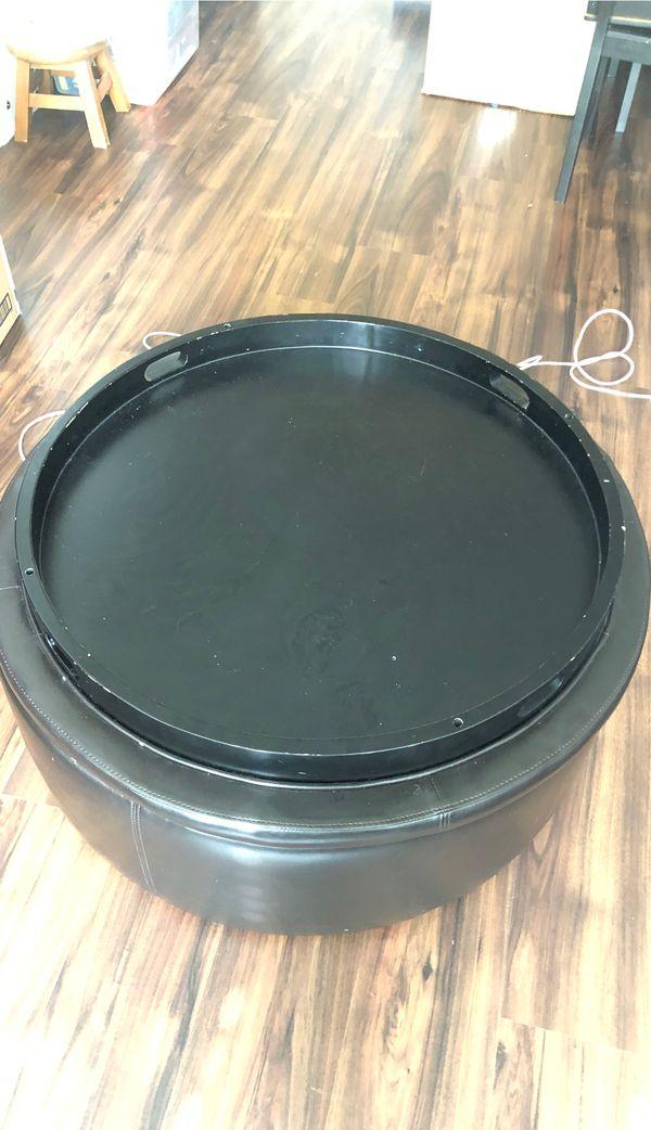 Round Coffee Table w/Storage
