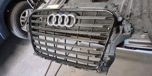 13-17 Genuine Audi S3 8V Front Center Grille Assembly part #8v5-853-651-d-cka for Sale in Phoenix, AZ