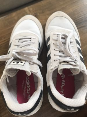 Adidas I-5923- almost new for Sale in Clackamas, OR