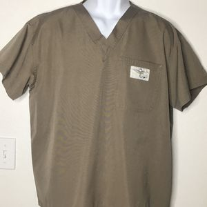 Aviator Men's Medical Scrub Top Size Large for Sale in Fresno, CA