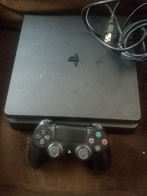 Ps4 slim 1tb used in great working conditions for Sale in San Diego, CA
