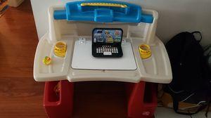 Toddler desk for Sale in Lancaster, CA
