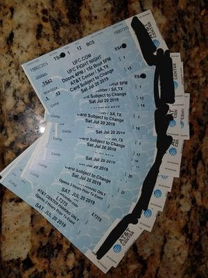 UFC Fight night suite tickets 2 tickets and beer for Sale in San Antonio, TX