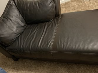 Brown Leather Chaise for Sale in McDonough,  GA
