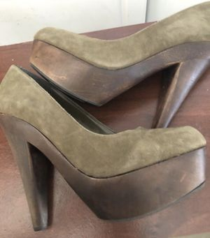 Women's Steve Madden size 9 clog platform heels. 4 inch heel for Sale in Rancho Cucamonga, CA